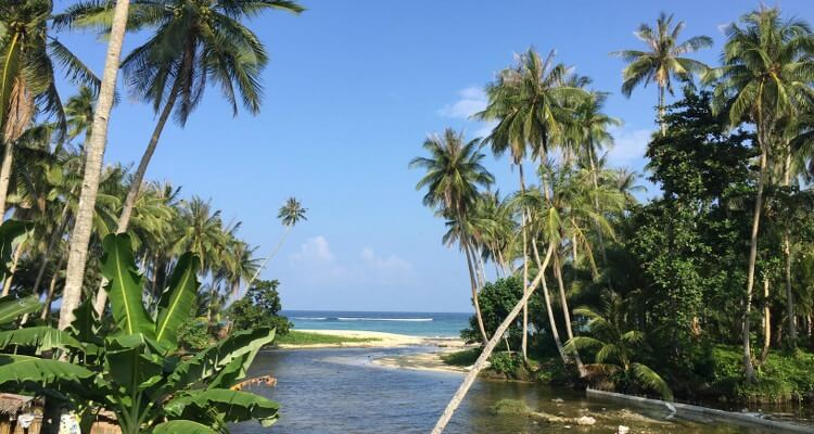 In den Philippinen gibt es mehr als 100 Surfspots