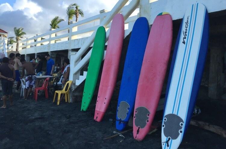 Warum du in Baler surfen solltest - Surfschulen
