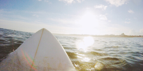 Die 10 größten Fehler beim Surfen lernen und wie du sie vermeiden kannst!