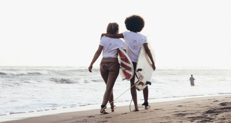 surf-girl-gang-nachhaltige-surfmode-frauen-01